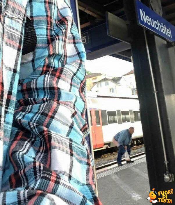 #crazy #man #station #train #shit #wtf