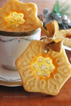 biscotti di vetro con effetto ricamo