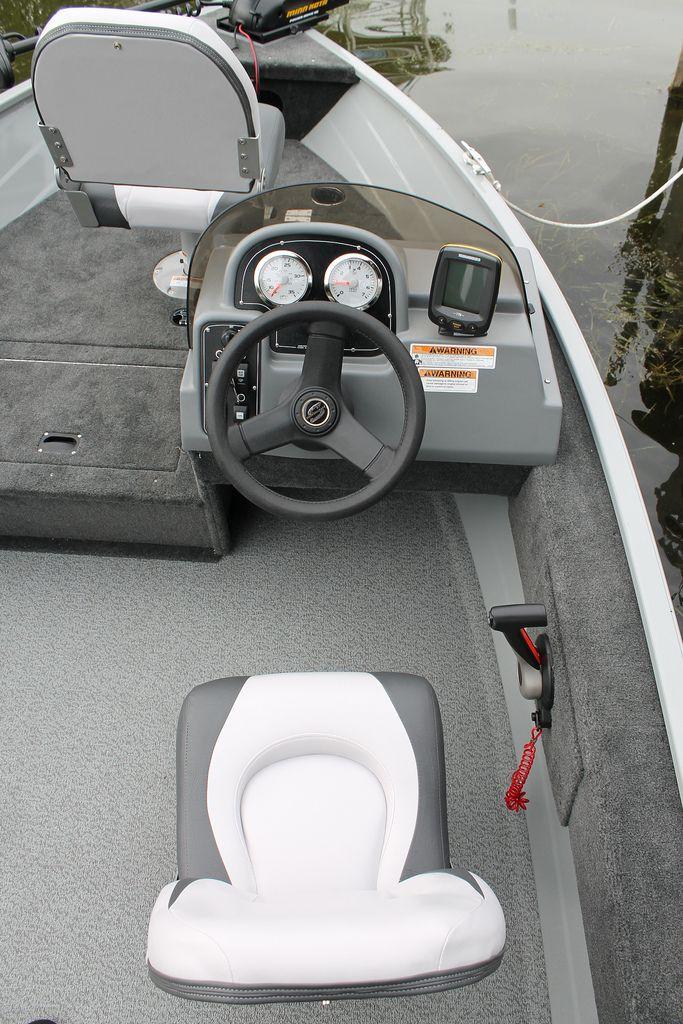 Resorter 151 console | Smoker Craft Fishing Boat