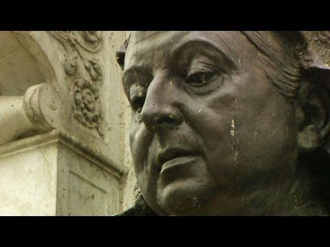 BBC Learning English: Video Words in the News: Talking statues (20th August 2014) - YouTube