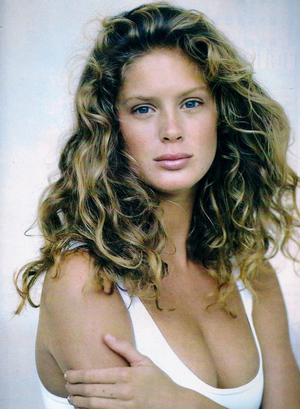 """ #tbt: Neue Korper Power Model: Rachel Hunter Photographer: Arthur Elgort Publication: German Vogue, April 1989 """