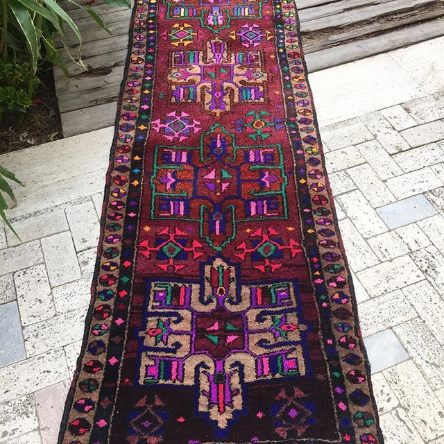 I can't believe this beautiful Turkish Runner is still available at the site 🙈💕  She is a real stunner and is priced at only $668 USD.  Plus, shipping is free on all orders over $100 all around the world 🌎  #interiors #kilim #bohodesign #easternboho #designs #persianrug #decorations #homedecoration #moroccanrug #rugsnotdrugs #bohomodern #kilimrug #apartmenttherapy #beautifulrugs #finditstyleit #turkishrugs #bohohome #dsnicerug #vintagelover #vintagestyle #vintagelife #bohorug #vintagerug…