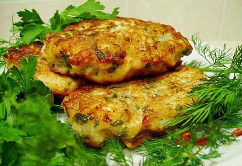 Предлагаю вам рецепты приготовления рубленных котлет из куриных грудок - с майонезом, без, с сыром, грибами, в духовке, на пару, диетические
