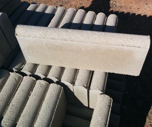 Bordillo de hormigón canto redondo gris medidas 6x20x50