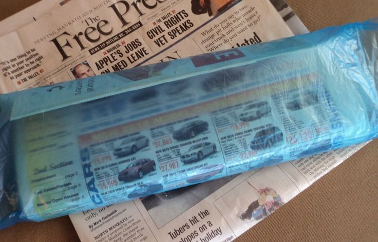 Tons of ideas on what to do with those newspapers bags #frugal #repurposing
