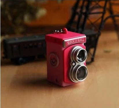 High Quality Mini Camera Key Chain. It Is Super Q Twin Lens Reflex Camera With