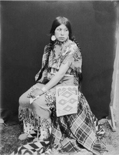 Nellie Salmon,Umatilla.1900