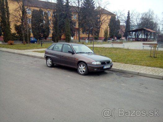 Opel Astra F 2,0 benzin ecotec - Poltár, predám