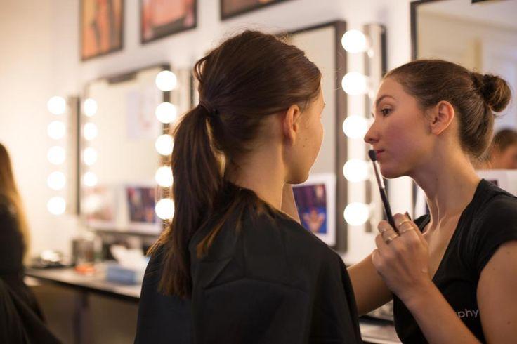 Make-Up Artist, Make-Up Group