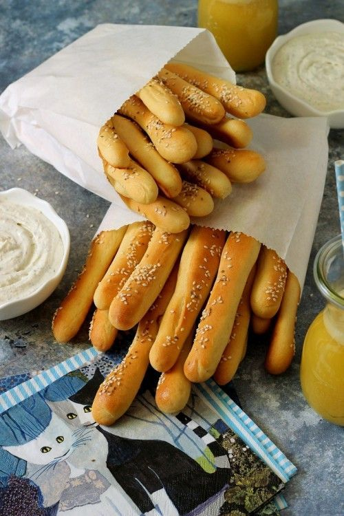 Kukoricás kenyérrúd juhtúrós mártogatóval recept