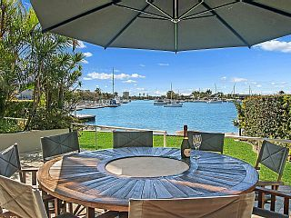 4 bedroom water front apartment SPECIAL OFFER: STAY JUNE-JULY 15 AND GET 15% OFFVacation Rental in Mooloolaba from @homeaway! #vacation #rental #travel #homeaway