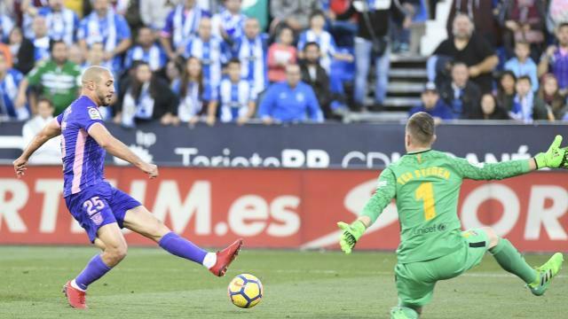 Vea las 5 mejores paradas de la jornada 12 de Liga Santander 2017 - 18 http://www.sport.es/es/noticias/laliga/vea-las-mejores-paradas-jornada-12-liga-santander-2017-2018-6437672?utm_source=rss-noticias&utm_medium=feed&utm_campaign=laliga