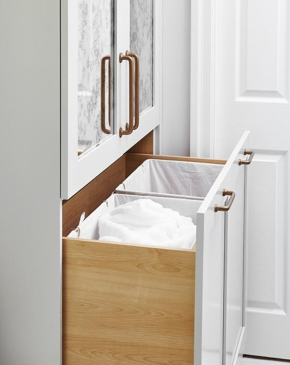 how to clean your bathroom cabinets
