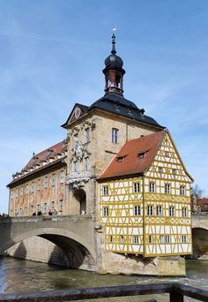 24 hours in the beautiful German town of Bamberg in Bavaria. Highlights include visits to the Dom and Rathaus and walking through the Altstadt (Old Town).