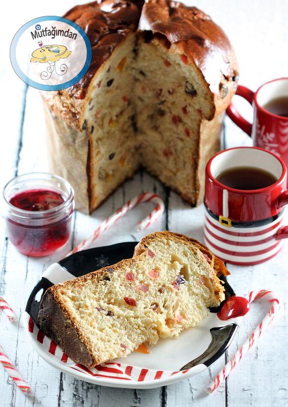 Panettone Italyanlarin Noel zamani yaptiklari tadina doyulmaz meyveli kek ekmek. Kek tadinda ama mayali hamur ile yapildigindan ekmegimsi dokuda. Tereyagi ve yumurta acisindan zengin. Bol meyveli.…