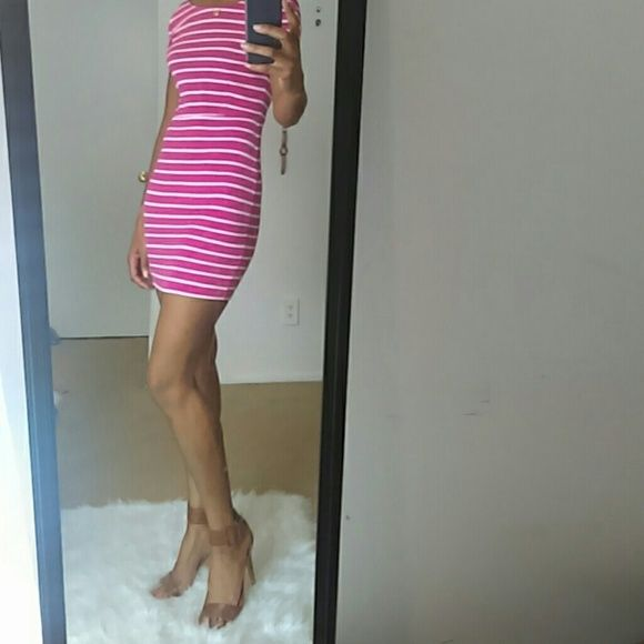 Bodycon Dress Sale 1HR 🎊🎉 Pink and white with low back Dresses Midi