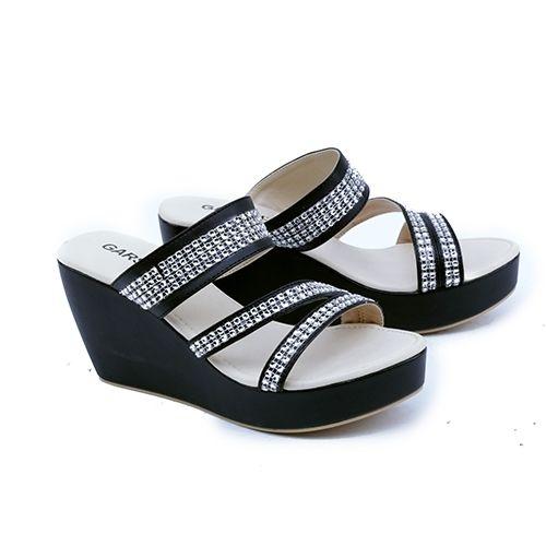 .  Nama Produk: Sandal Wanita Garsel Shoes GKN 4260 SKU: GKN 4260 Ukuran: 36-40 Berat (kg): 1 Harga Jual: Rp. 153507 Harga Reseller: Rp. 122500 Deskripsi: Hitam 8cm Synth .  . Silahkan kontak kami terlebih dahulu untuk cek stok sebelum melakukan pembelian terima kasih   DM atau hubungi Whatsapp: 0895-3528-77930  .   Kami membuka peluang Reseller / Dropshipper GRATIS! tanpa biaya daftar Batch #1 - terbatas untuk 50 Reseller pertama dengan Keuntungan :  1 Belasan Ribu produk yang bisa dijual 2…