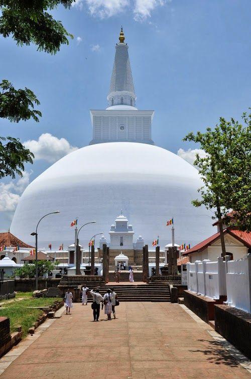 Sri Lanka Anuradhapura Ruwanwelisaya