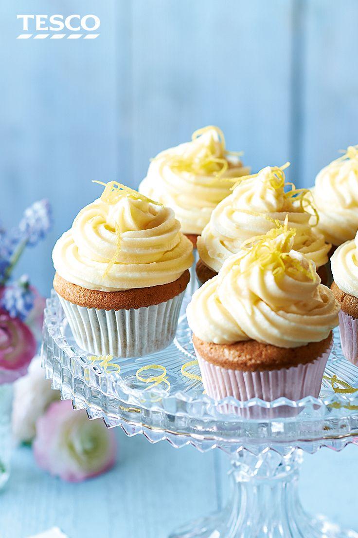 The perfect accompaniment to afternoon tea, this cupcakes recipe is flavoured with Earl Grey and finished with a sharp lemon icing. Learn how to make cupcakes with our easy recipe. | Tesco