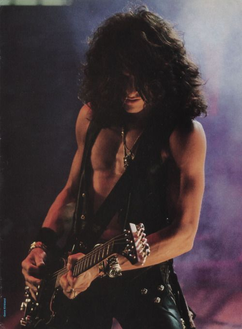 Joe Perry - aerosmith. #music #guitarist #aerosmith http://www.pinterest.com/TheHitman14/musician-guitarists-%2B/