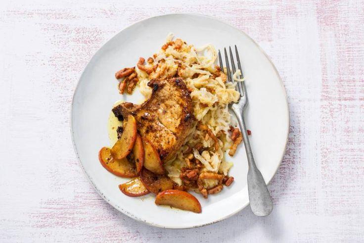 Kijk wat een lekker recept ik heb gevonden op Allerhande! Karbonade met appel en zuurkool-spekpuree