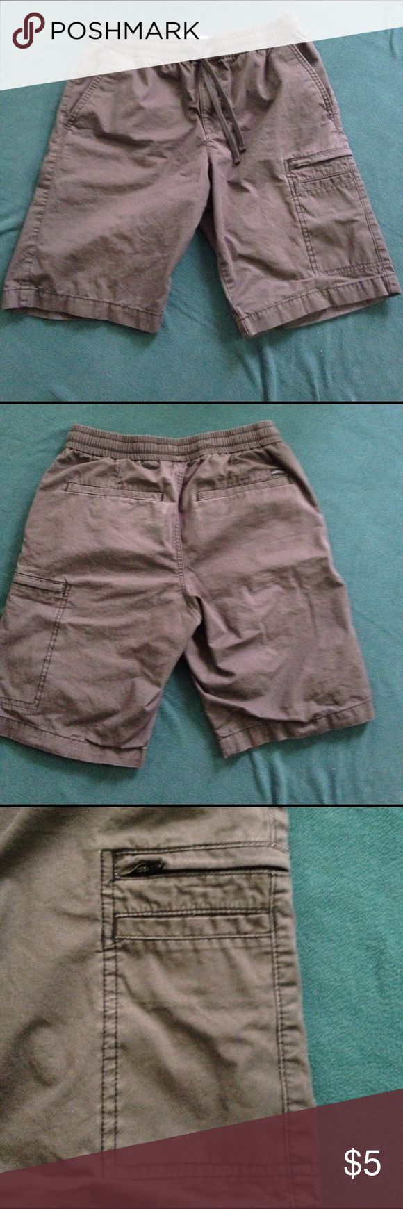 Men's shorts GUC. Men's elastic waist shorts with zipper and drawstring. One pocket is zippered to securely hold your things. Minor fading, but otherwise in great shape. Smoke-free home. 🌺I offer a 15% discount when you bundle 2 or more listings!🌺 Lee Dungarees Shorts