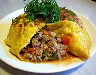 3 hungry tummies: Khai Yat Sai ไข่ยัดไส้ Thai Stuffed Omelet