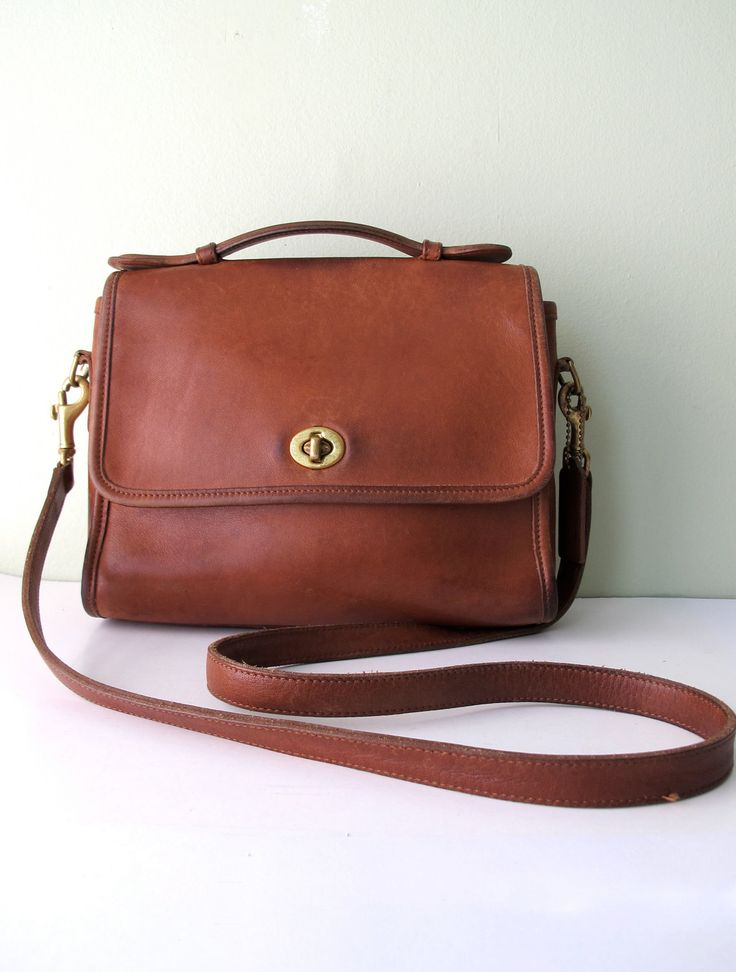 COACH Court Messenger Style Cross Body Bag in by magnoliavintageco