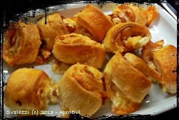 Un'idea sfiziosa per un'aperitivo goloso!  http://www.svolazzi.it/2013/04/aperitivoarrotolato.html