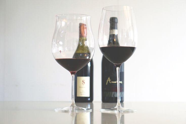 Det ska vara enkelt och roligt att ha en vinprovning hemma med vänner och bekanta eller på företaget med sina kollegor. Därför har vi nu gjort det möjligt för vem som helst att ladda ner, skriva ut och använda vårt vinprovningsprotokoll som både gör det enklare att jämföra vad alla tyckte om vinet samt gör det på ett roligt vis. Vi hoppas att detta kommer till nytta vid din nästa vinprovning. #Vin #Vinprovning #Vinprovningsprotokoll #Gratis #Utanextrakostnad #Sverige