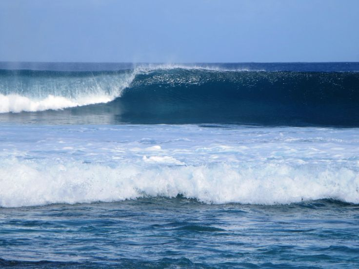 Huge Indian Ocean Breakers Make The West Coast Of West Island Cocos Keeling Islands A Prime Surfing Spot Island Beach West Island Cocos Keeling Islands