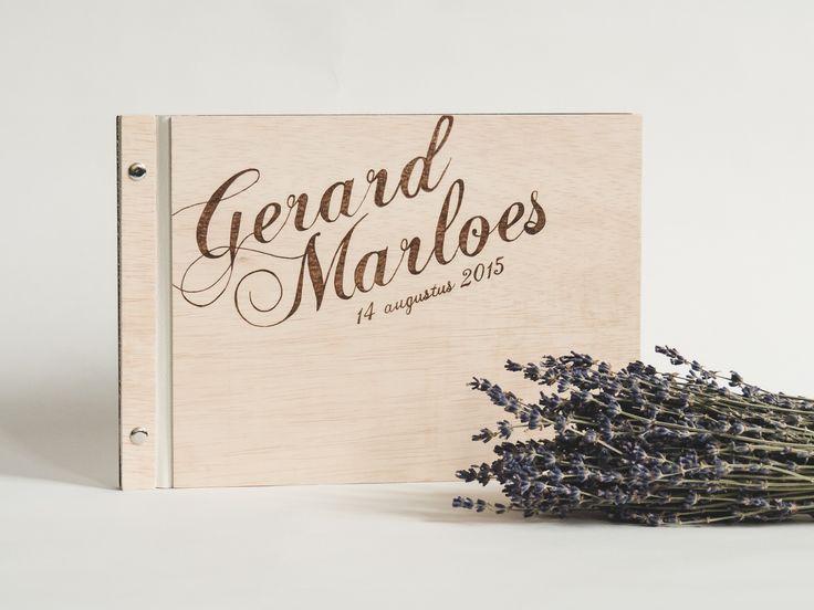 Gastenboek van hout