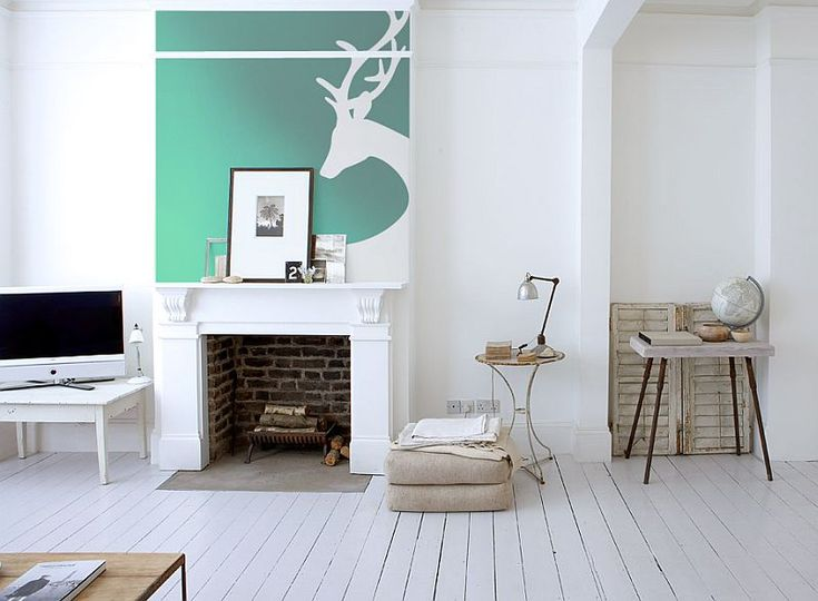 deer-wall-mural-above-the-fireplace