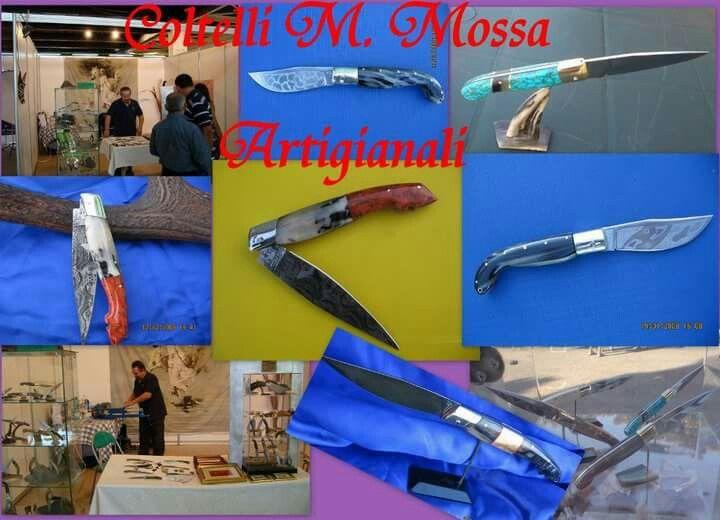 Coltelli Sardi  dell'artigiano M. Mossa; con manico in Turchese, Corallo, Corno di Montone. Lame in Acciaio Damasco / Aisi 420