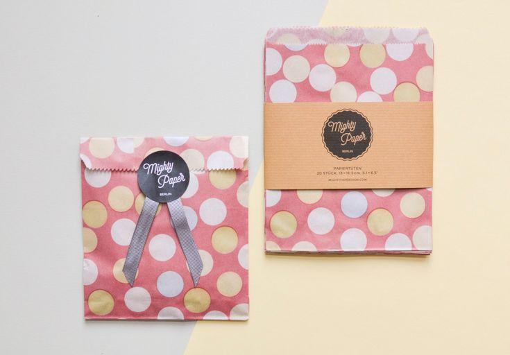 20 Candy Bags Geschenktüten Kraftpapiertüten gepunktet Konfetti Flachbeutel Beutel V001 by MightyPaperShop on Etsy