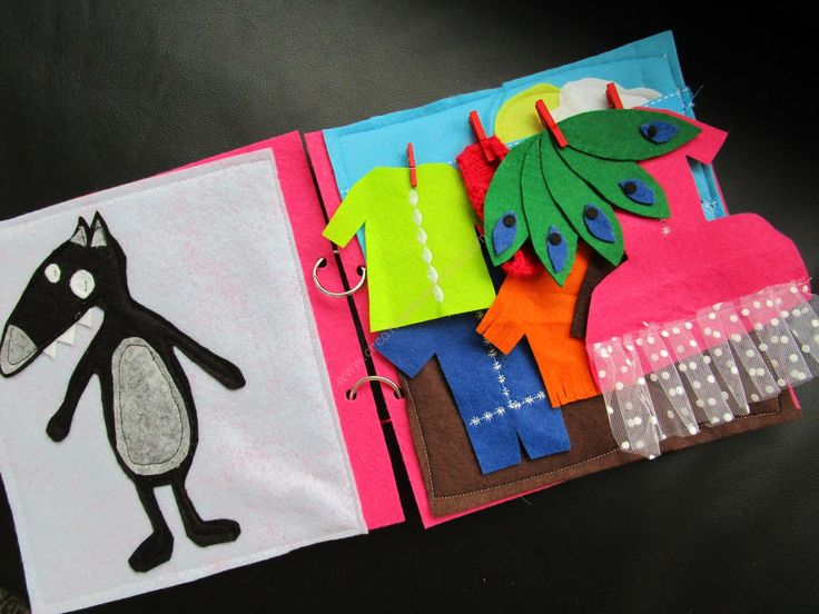 """Livre d'activités en feutrine (Quiet Book), Thème """"le loup qui voulait changer de couleur"""" (+ concours!)"""