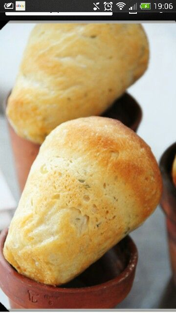 Plant pot bread rolls