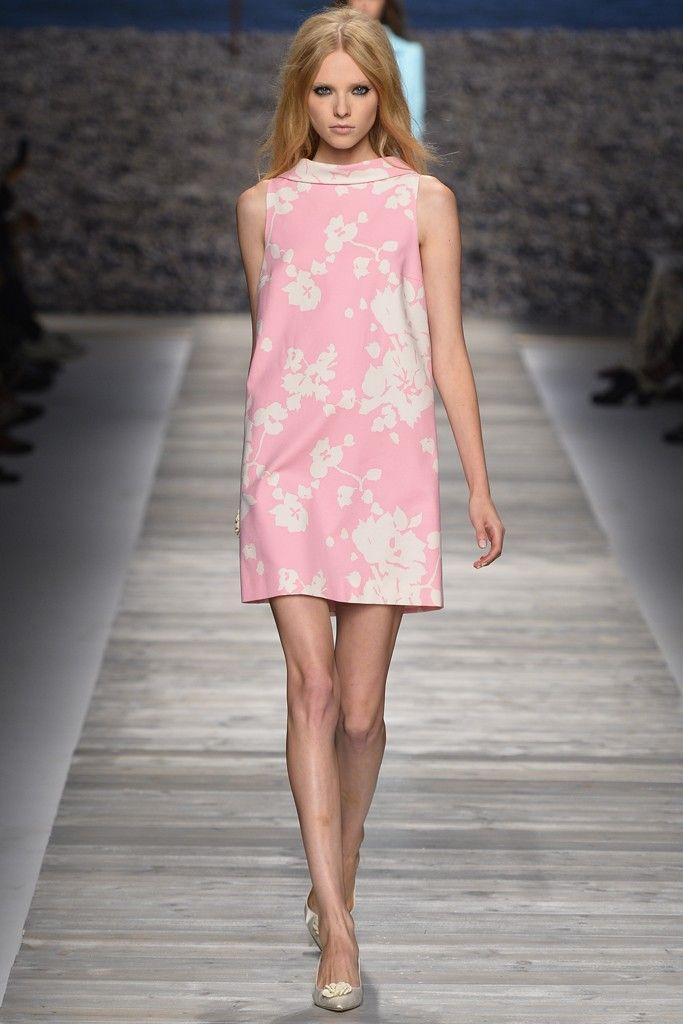 Ella y su marido Gianpaolo Tarabini estableció su marca en 1977. En ese momento, se abrió una casa que produce prendas de punto, una selección de los cuales se mantiene en sus colecciones en forma de formas jersey-girl, a veces adornado con diamante.