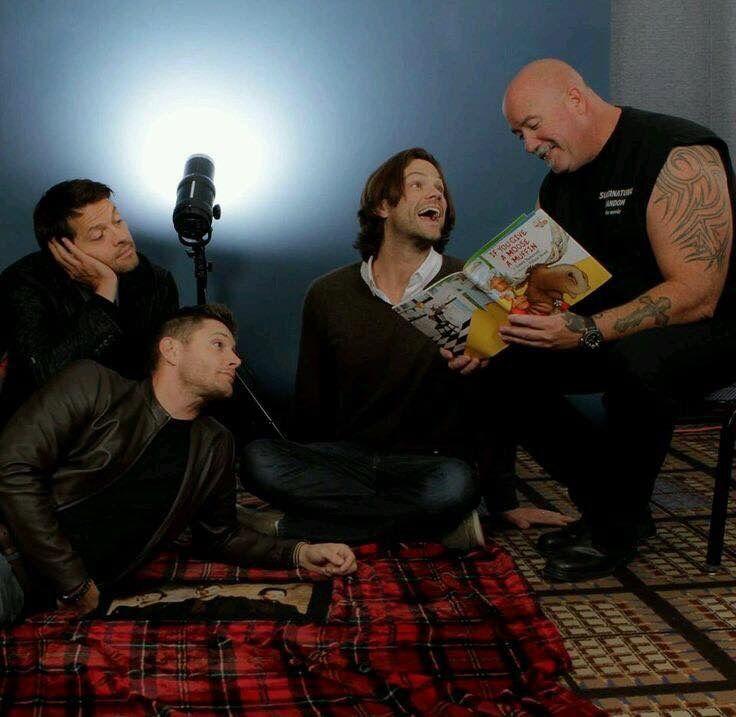 Misha Collins, Jensen Ackles, Jared Padalecki & bodyguard