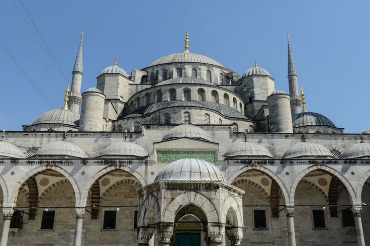 The Blue Mosque gets its nickname from its interior decorations. The 17th century mosque is not only a touristic attraction and is therefore closed to non worshippers during the 5 daily prayers.