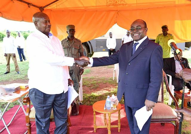 """#DICTATORS: #Museveni called Mumbere and ordered him to disband    President Museveni with King Mumbere a few years back President Yoweri Museveni on Sunday morning reportedly talked to King Charles Wesley Mumbere of the Rwenzururu kingdom on phone and ordered him to disband the guards who are believed to be part of a militia agitating for the creation of an independent republic straddling Uganda and the Democratic Republic of Congo. """"We took time to talk to the king to get those people out…"""