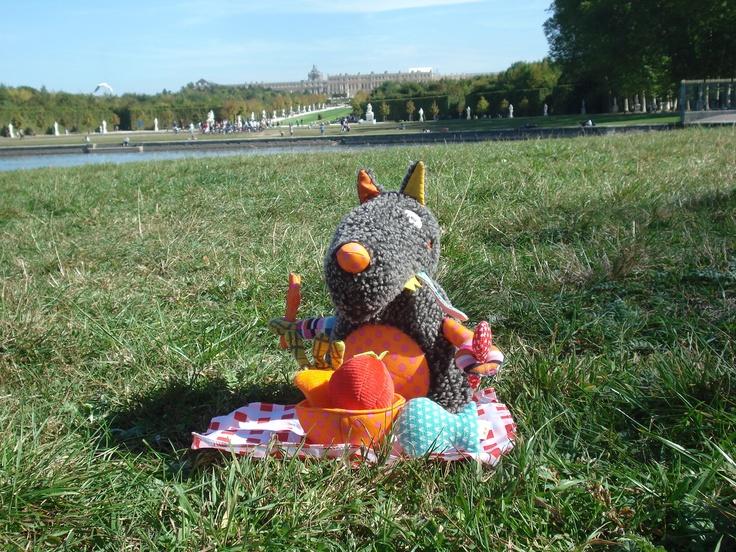 Louloup Pic Nic in Versailles.   Ebulobo