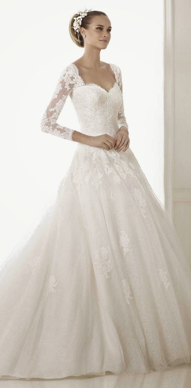 Pronovias 2015 Bridal Collections wooow... beautiful collection. So pretty with all the lace!
