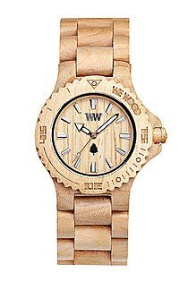 Wooden watch sustainable gift ideas WeWood horloge