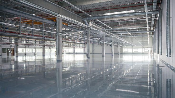Výrobní a skladovací hala s plochou 8000 metrů čtverečních www.navlacil.cz