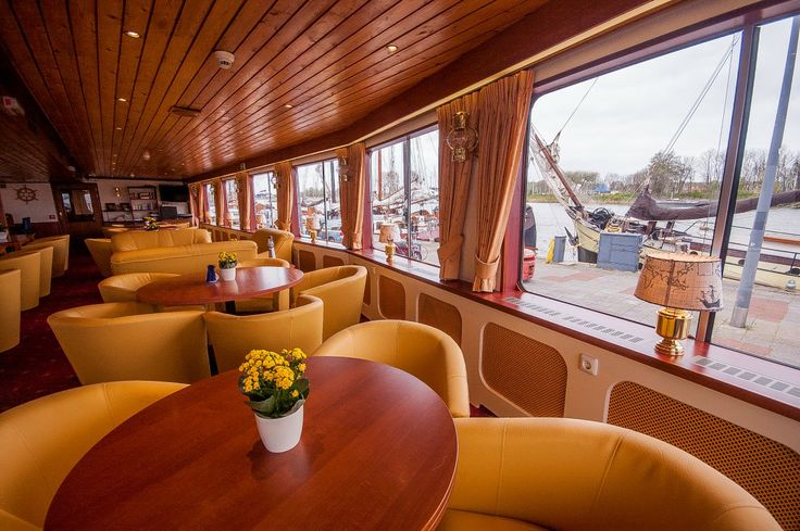Rivercruiser MS Andante seating area and restaurant.