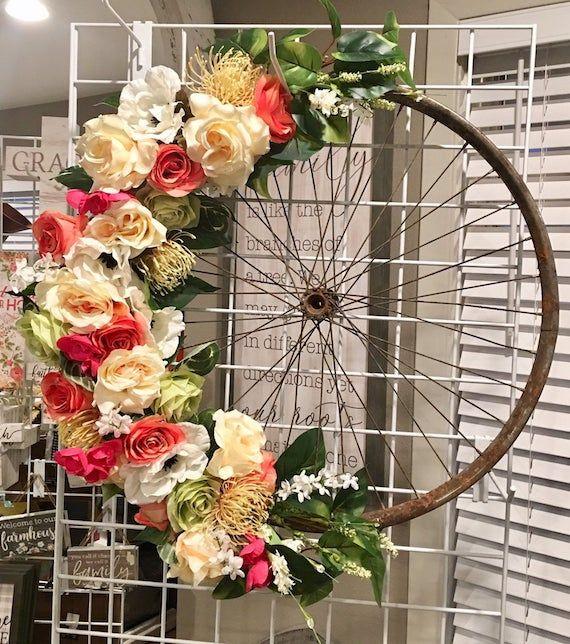 foto de 30 Stunning Summer Wreaths in 2020 Wreath decor Summer