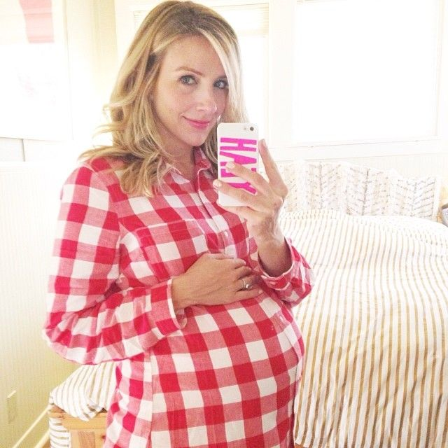 My #37week selfie. The bump is like a big basketball. Not too much longer to go! @Donna Maywald Navy shirt. #babybump #Padgram