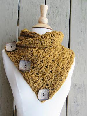 Crochet Dreamz: Alice Button Cowl, Free Crochet Cowl Pattern