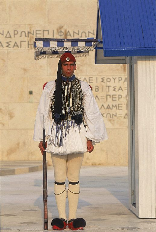 Evzone, or Presidential Guard, in full dress uniform at the Tomb of the Unknown Soldier in Athens jg/cy